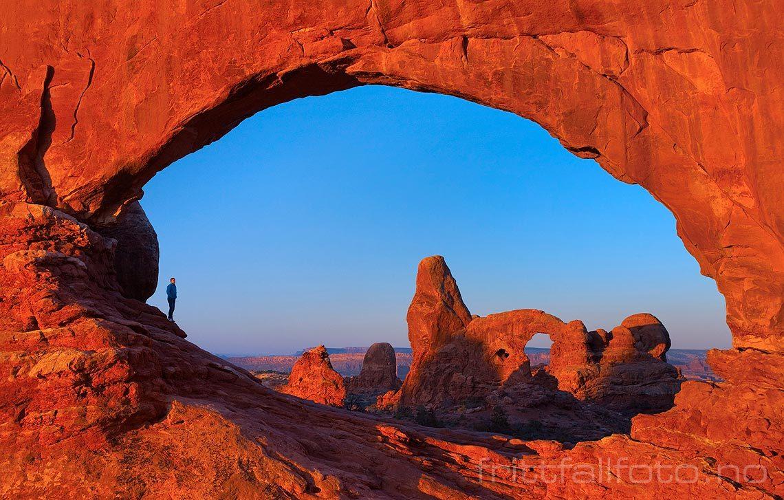Morgen ved North Window i Arches National Park, Utah, USA.<br>Bildenr 20080319-021.
