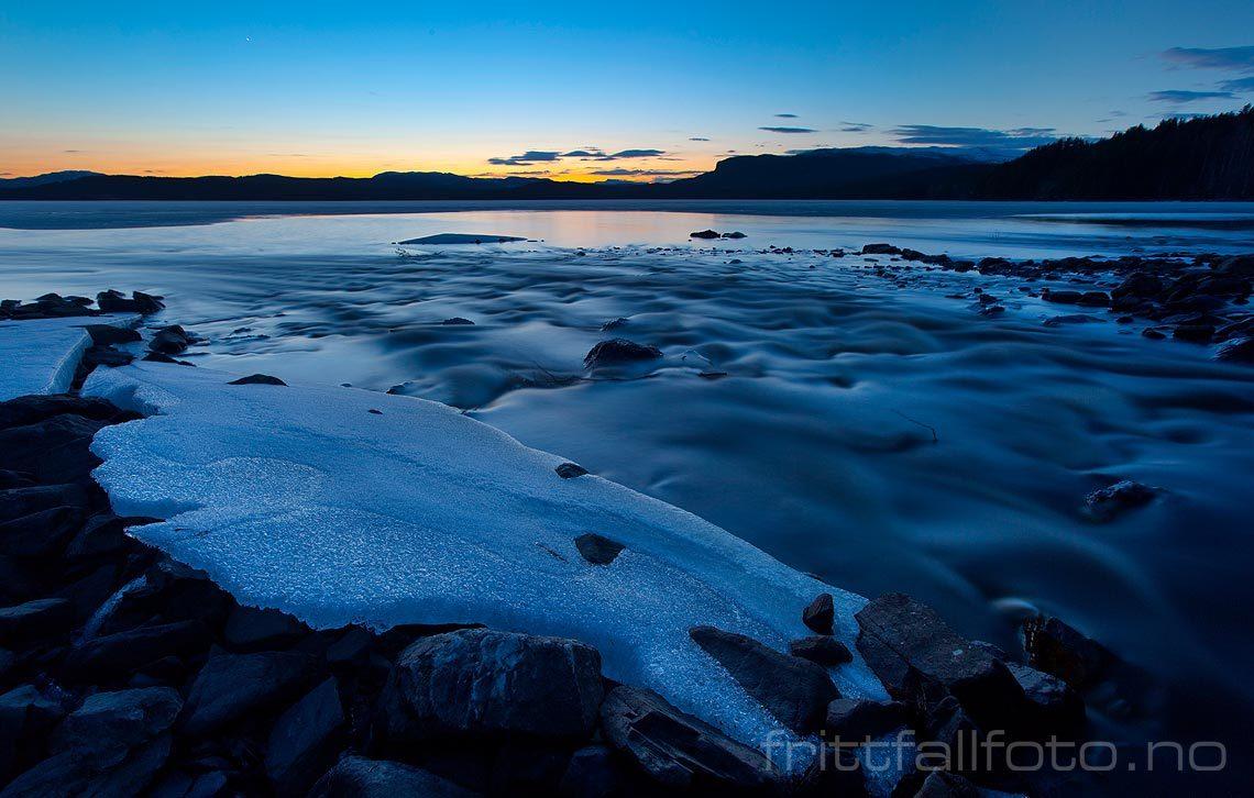 Vårkveld ved Follsjå, Notodden, Vestfold og Telemark.<br>Bildenr 20100414-077.