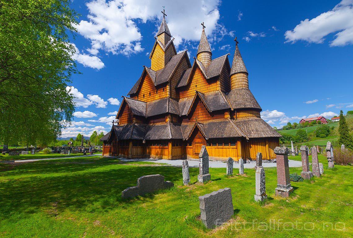 Norges største i sitt slag er Heddal stavkirke i Heddal, Notodden, Vestfold og Telemark.<br>Bildenr 20130526-272.