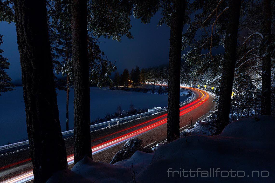 Vinternatt på E134 ved Elgsjø, Notodden, Telemark.