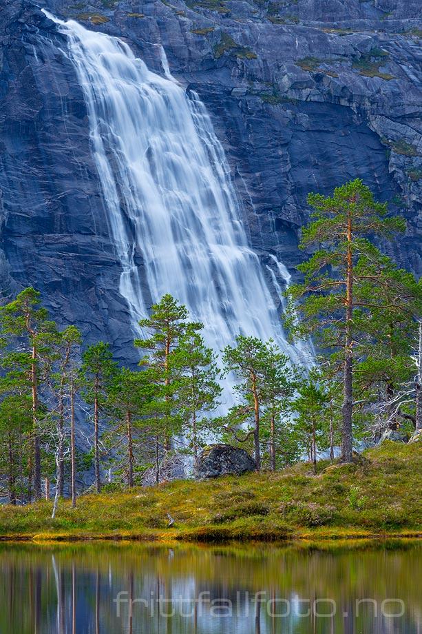 Litlverivassforsen er et landemerke i Storskogdalen, Rago nasjonalpark, Sørfold, Nordland.