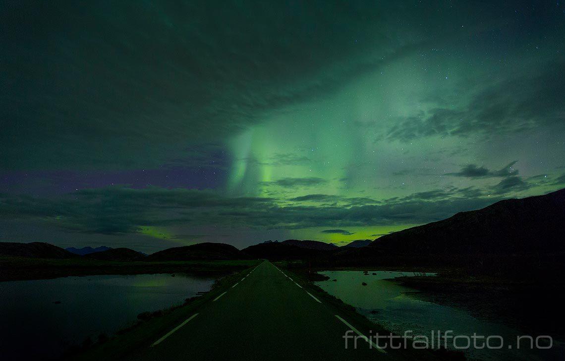 Nordlys nær Kjerringøy, Bodø, Nordland.<br>Bildenr 20161025-096.