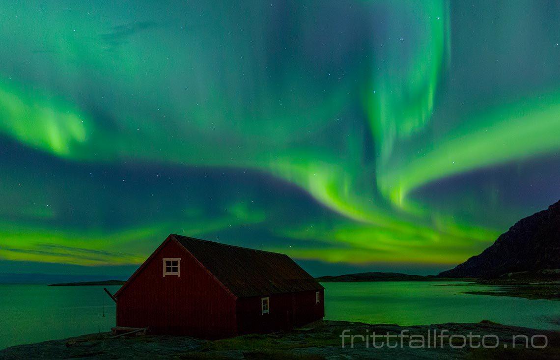Nordlys over Mjelle, Bodø, Nordland.<br>Bildenr 20161026-026.