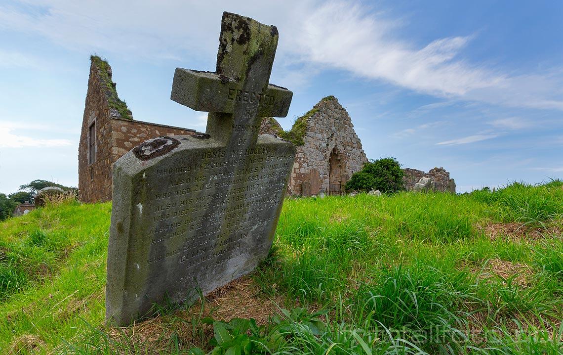 Ruinene av Bonamargy Friary ligger ved den lille kystbyen Ballycastle i County Antrim, Nord-Irland.<br>Bildenr 20170723-197.