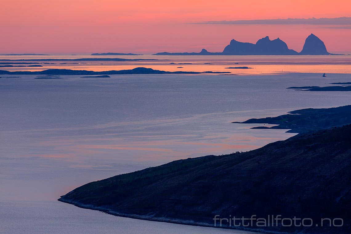 Fra Sjonfjellet mot Sjona og Træna, Nesna kommune, Nordland.