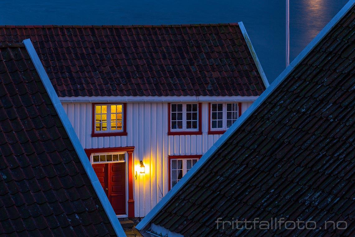 Stille vinterkveld i Brekkestø på Justøya, Lillesand, Agder.<br>Bildenr 20171216-585.