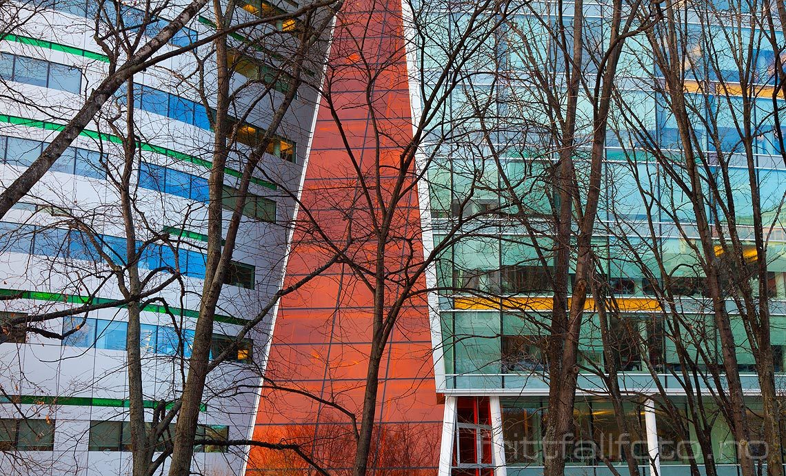 Moderne arkitektur i Akerselva Atrium, Oslo.<br>Bildenr 20120221-008.