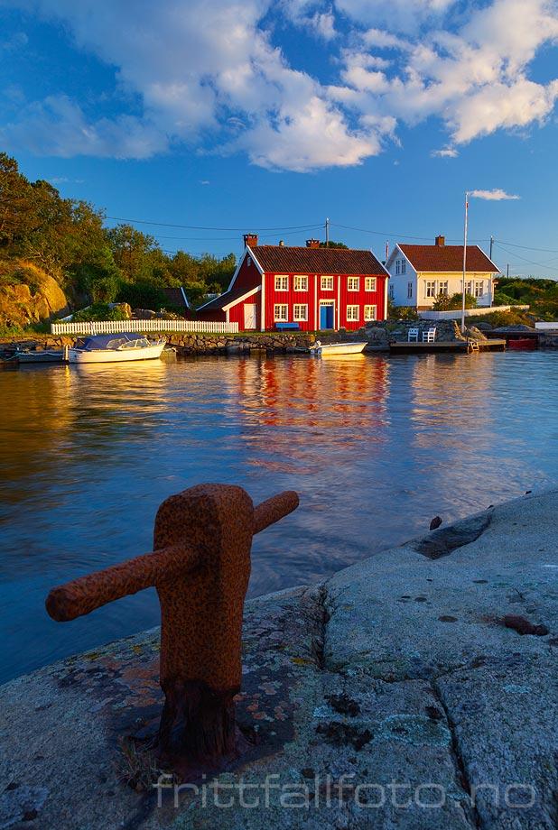 Kveldsstemning ved Ulvøysund, Lillesand kommune, Aust-Agder.