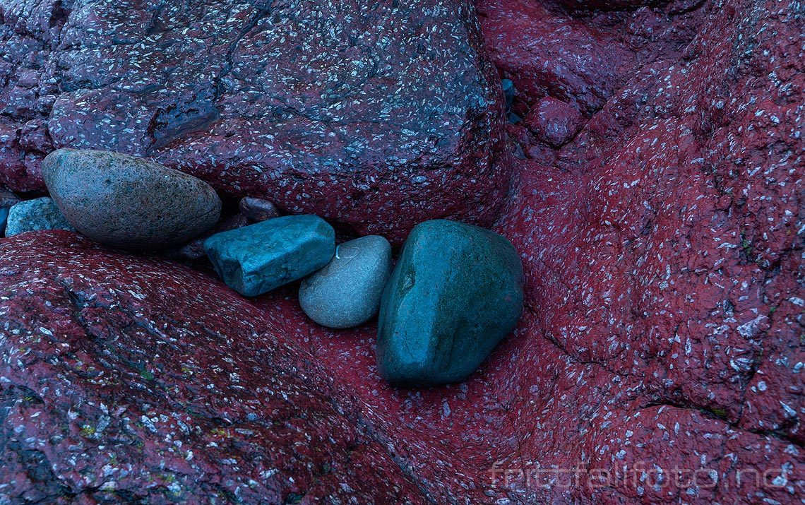 Rullestein på porfyr-lava ved på Jeløya, Moss, Østfold,