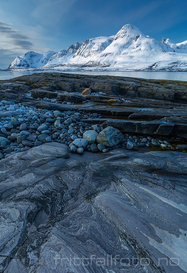 Nær Skattøra på Skjervøya, Skjervøy, Troms og Finnmark.<br>Bildenr 20150416-214.