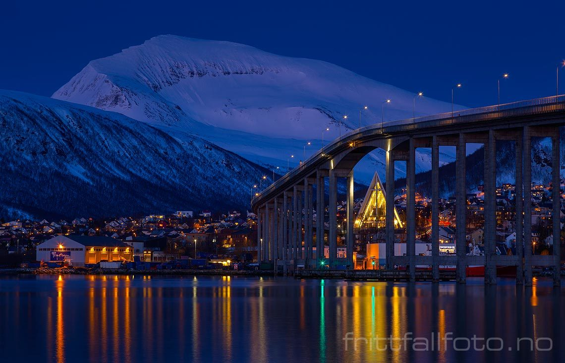 Aprilkveld ved Tromsøysundet i Tromsø, Tromsø kommune, Troms.