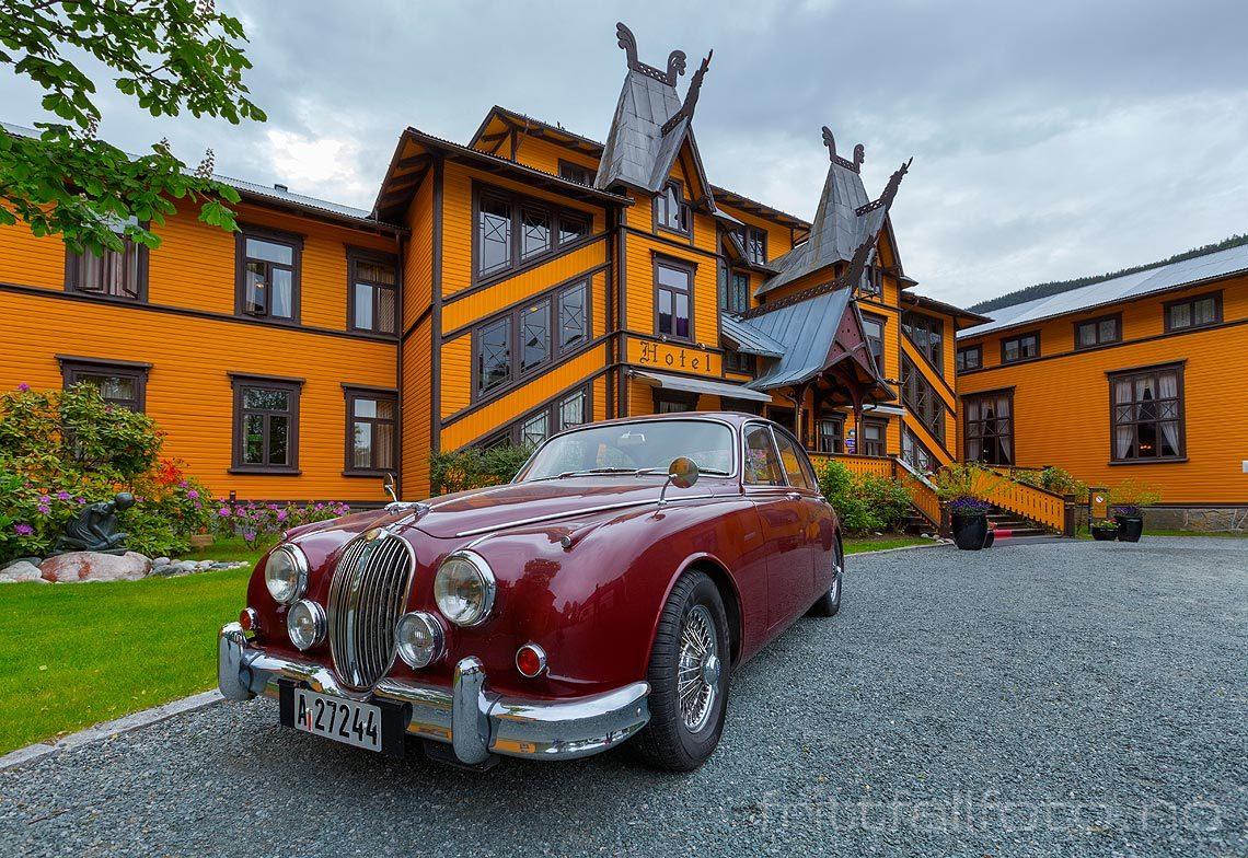 Ved det historiske Dalen Hotel i Dalen, Tokke kommune, Telemark.