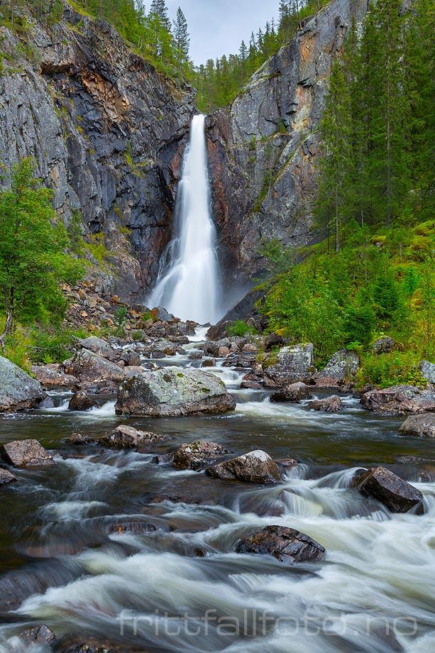 Gjuvfossen i Åfeta ved Langdalen, Etnedal kommune, Oppland.
