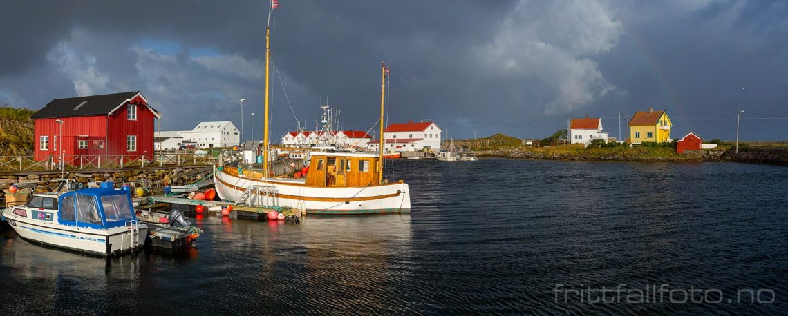 Ved Tjuvøya på Røst, Røst, Nordland.<br>Bildenr 20170829-047-052.