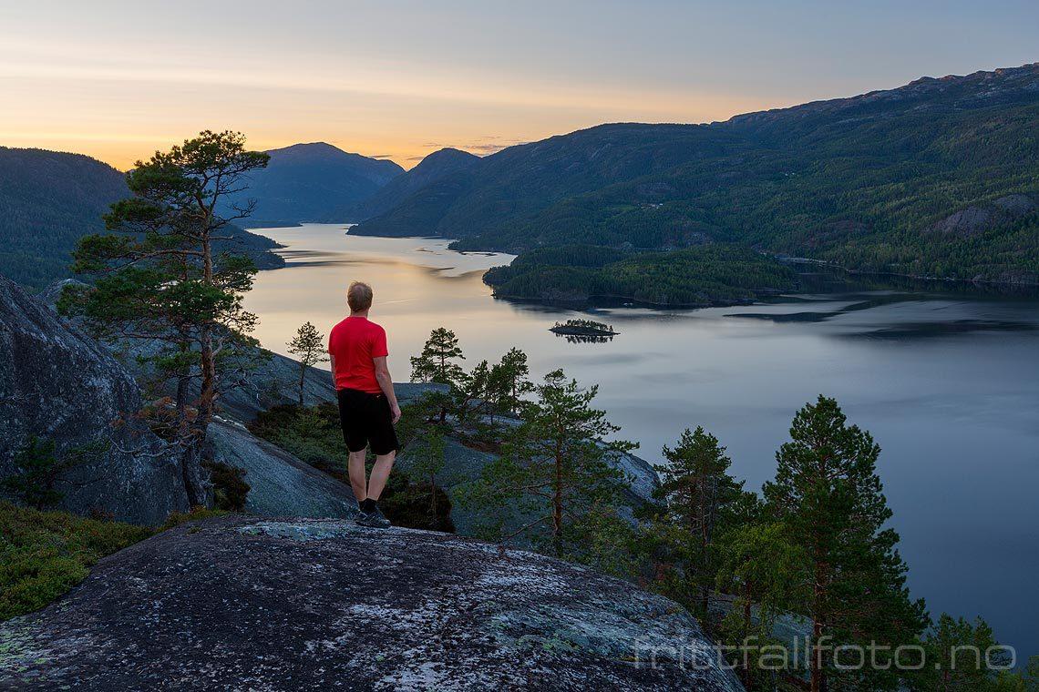 Sensommerkveld ved Seljordsvatn i Seljord, Telemark.