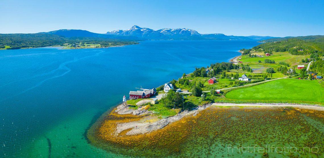Nordbyneset er et gammelt handelssted   ved Malangen, Balsfjord, Troms og Finnmark.<br>Bildenr 20190728-228-229.
