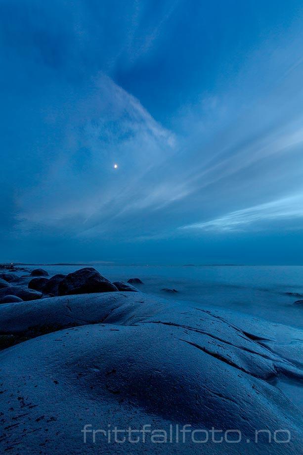 Kveldsstemning ved Rødshue, Hvaler, Viken.<br>Bildenr 20190112-564.