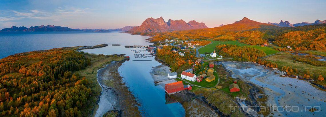 Høstkveld ved Kjerringøy, Bodø, Nordland.<br>Bildenr 20190926-1042-1045.