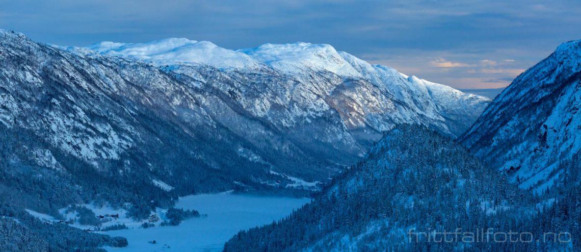 Desemberstemning ved Grungedal, Vinje, Vestfold og Telemark.<br>Bildenr 20191216-051-053.