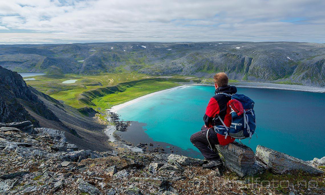 Ved Kinnar-Sandfjorden på Nordkinnhalvøya, Lebesby, Troms og Finnmark.<br>Bildenr 20170801-385.