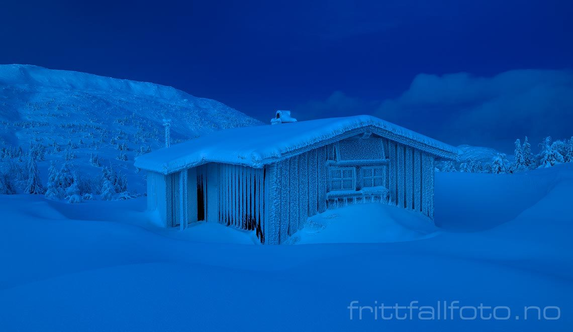 Råkald vinterkveld ved Krintokleiva på Lifjell, Midt-Telemark, Vestfold og Telemark.<br>Bildenr 20180116-174.