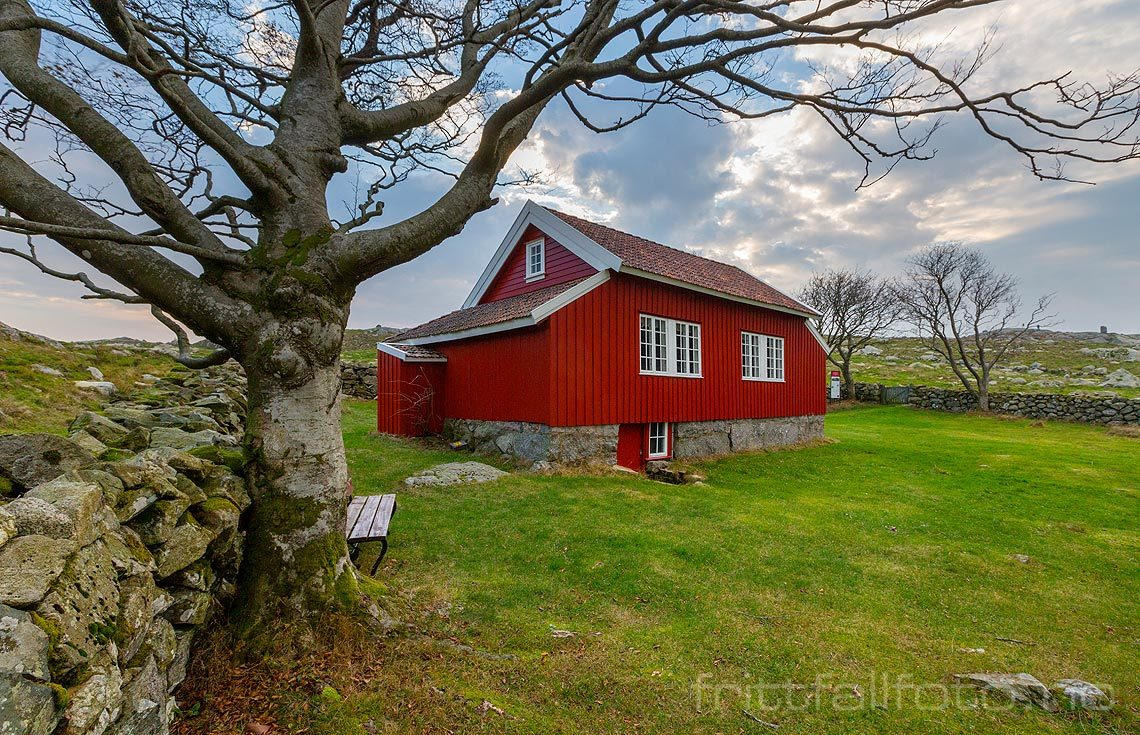 Arne Garborgs dikterstue ved Knudaheio nær Undheim, Time på Jæren, Rogaland<br>Bildenr 20181012-202.