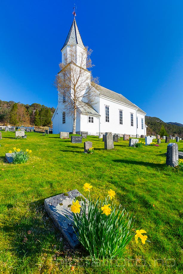 Solheim kyrkje, Masfjorden i Nordhordland, Vestland.<br>Bildenr 20190409-084.