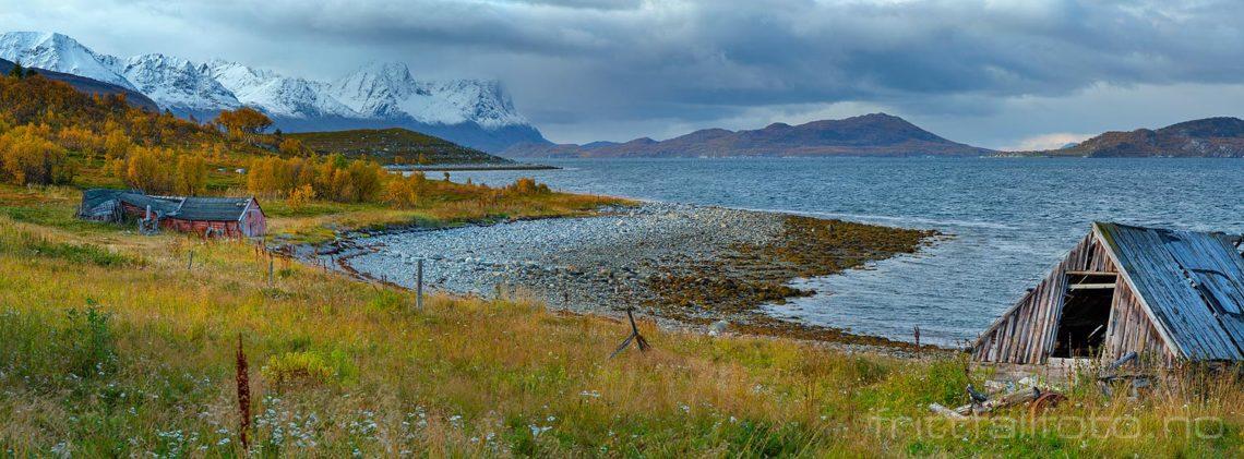 En småruskete ettermiddag ved Nordstraumen, Kvænangen, Troms og Finnmark.<br>Bildenr 20190923-0947-0949.