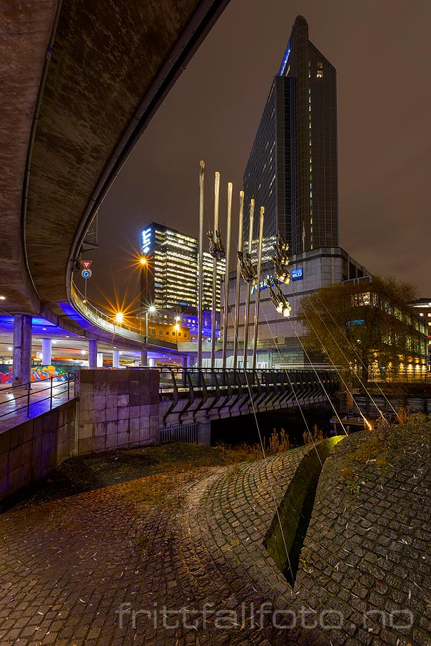 Kveld ved Vaterlandsparken, Oslo.<br>Bildenr 20191126-035.