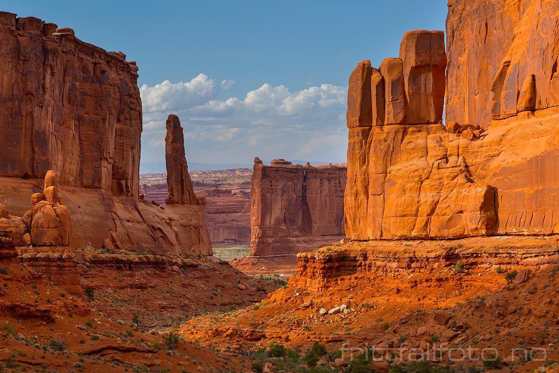 Ved Park Avenue i Arches National Park nær Moab, Grand County, Utah, USA.<br>Bildenr 20170408-498.
