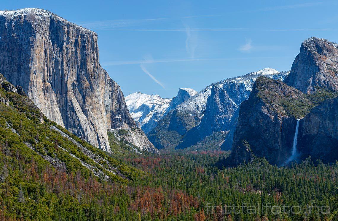 Yosemite Valley i Sierra Nevada, Mariposa County, California, USA.<br>Bildenr 20170414-672.