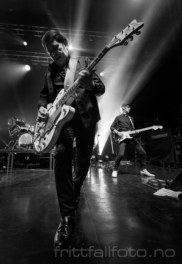 Charlie Burchill i Simple Minds på Sentrum Scene, Oslo.<br>Bildenr 20200301-0139.